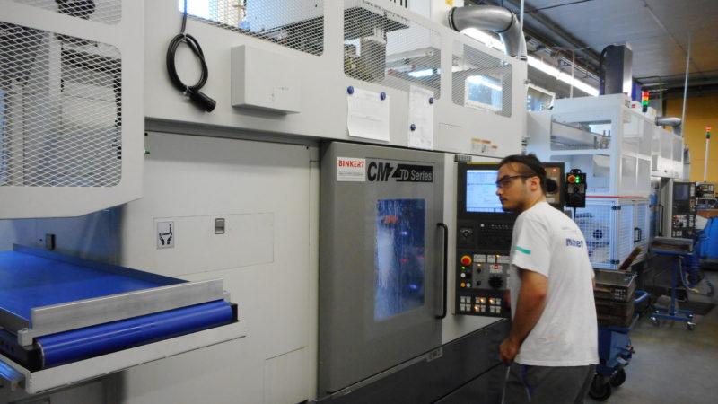 Drehzenter mit Ladeportal für automatisiere Drehteileproduktion